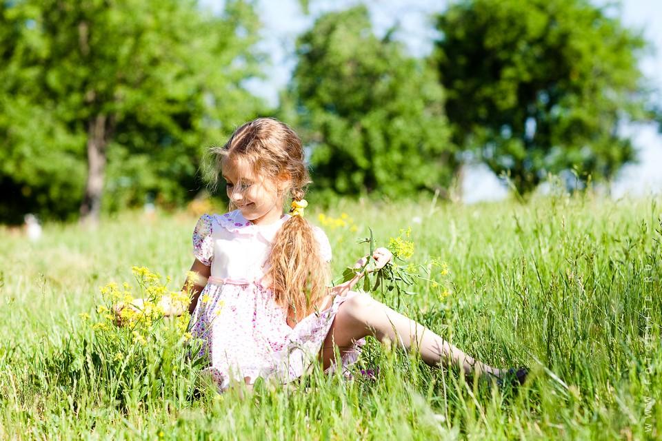 детская выездная фотосессия на природе